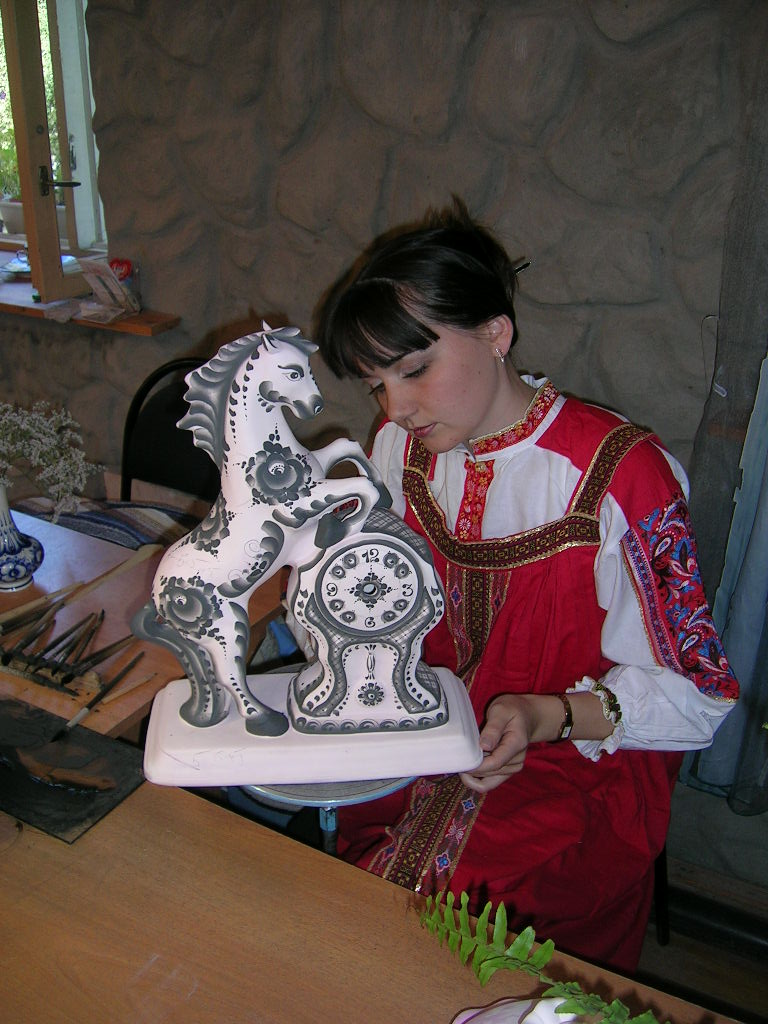 Tours of Moscow, tours of Mosow region, tours in English, excursions in English, excursions in Moscow, master-class, Gzel, Gzel production, Gzel ceramics, potters, tableware, Gzhel village, Gzhel produce, excursion to Gzhel, excursion to Gzel, tour to Gzel in English, Russian souvenirs